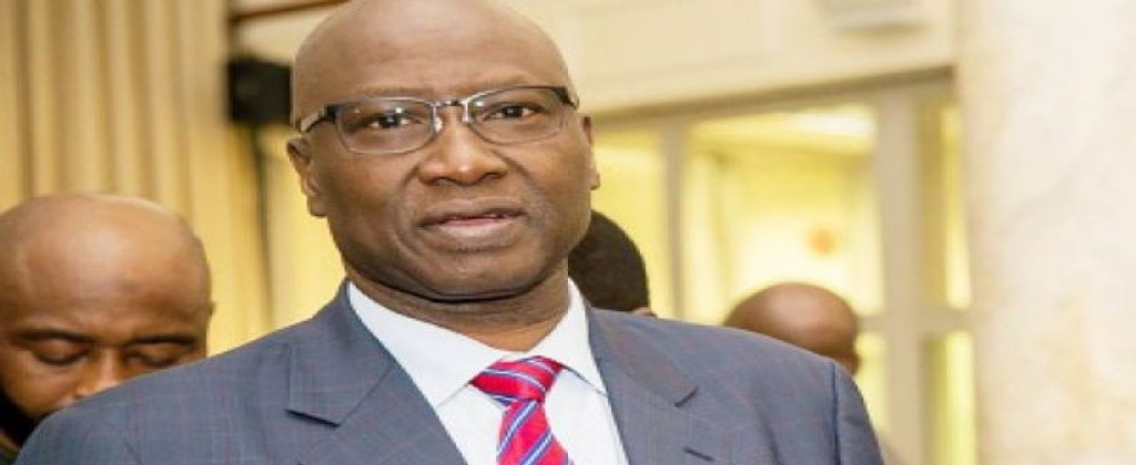FG directs banks, government offices, firms to reopen Monday