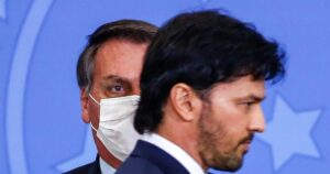 Bolsonaro revives communications ministry in make-over [ARTICLE]