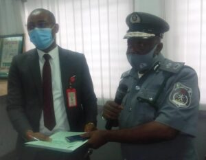 Customs seizes $890K from 2 Lebanese, hand them over to EFCC
