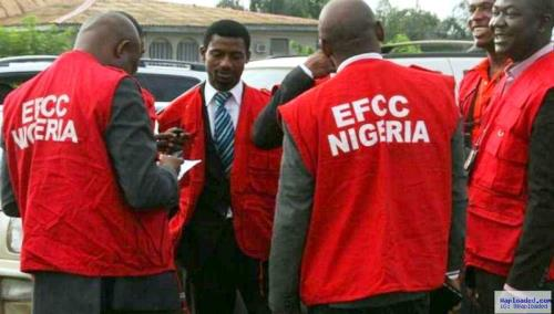 Kwara urges EFCC to help recover 'looted' funds
